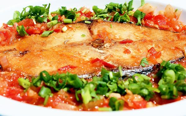 Cách làm cá bớp sốt cà chua