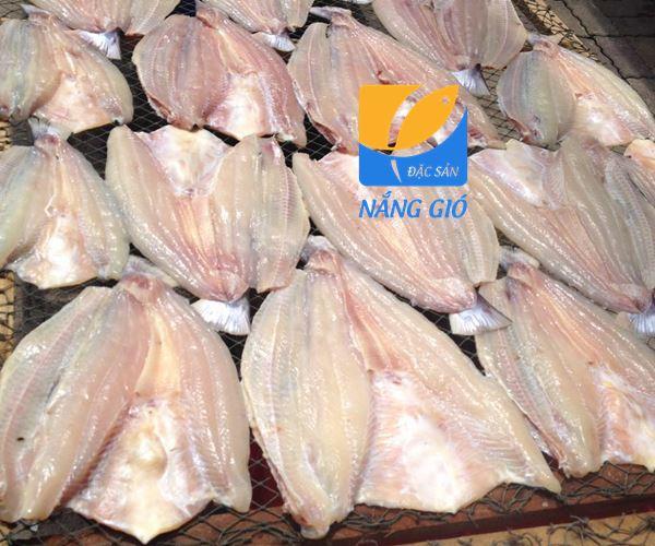 Vinafood là đơn vị chuyên cung cấp khô cá dứa thiên nhiên - cá dứa Kho-ca-dua-mot-nang-can-gio-1