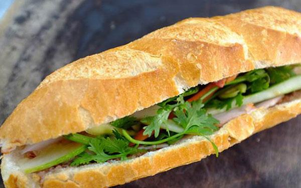 bán chả cá Nha Trang làm bánh mì chả cá