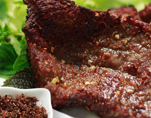 Bò 1 nắng Phú Yên - ăn kèm muối kiến vàng
