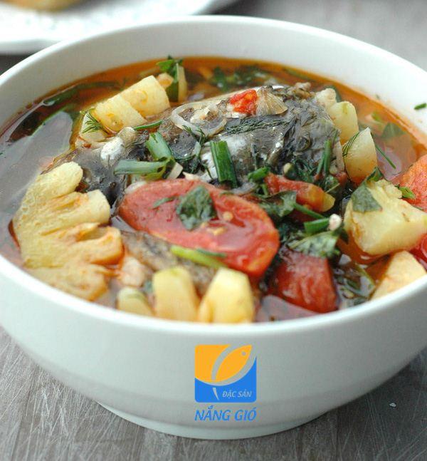 Cá dứa tươi nấu canh chua