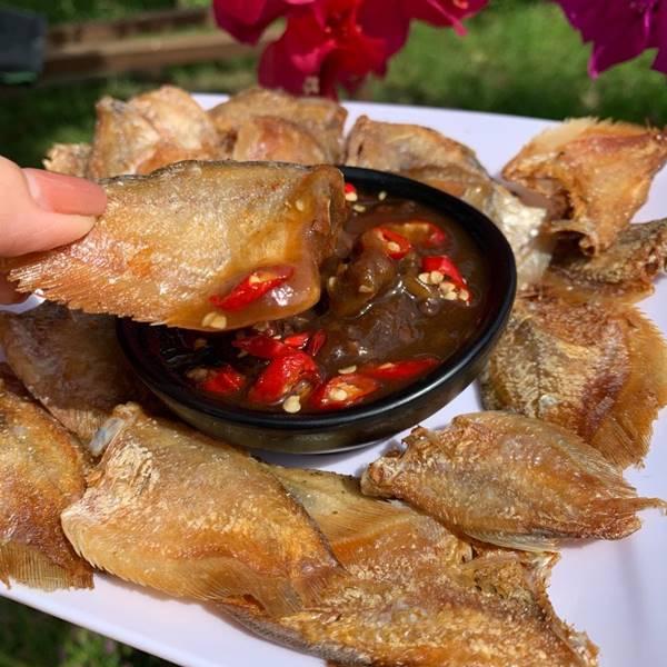 khô cá sặc rằn - cá sặc bổi nổi tiếng Cà Mau lam món chiên mắn me
