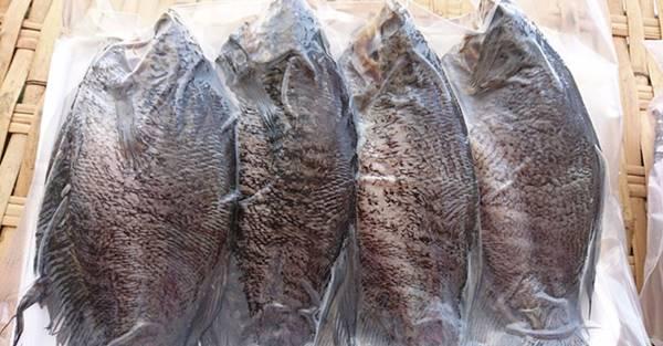 Mua khô cá sặc rằn - cá sặc bổi nổi tiếng Cà Mau tại Sài Gòn