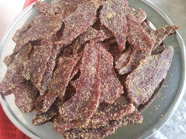 Giá bán khô Nai một nắng - muối kiến vàng phú yên
